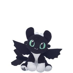How to Train Your Dragon Night Light Green Eyes